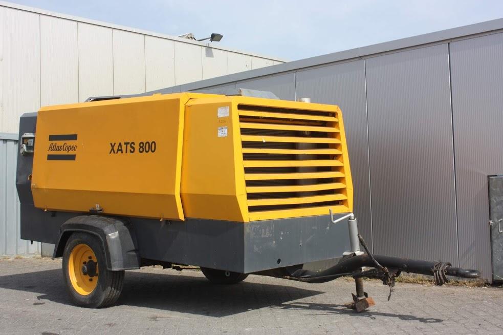 کمپرسور XATS 800 اطلس کوپکو با همان رنگ شناختهشدهی زرد مخصوص کمپرسورهای دیزل این برند.