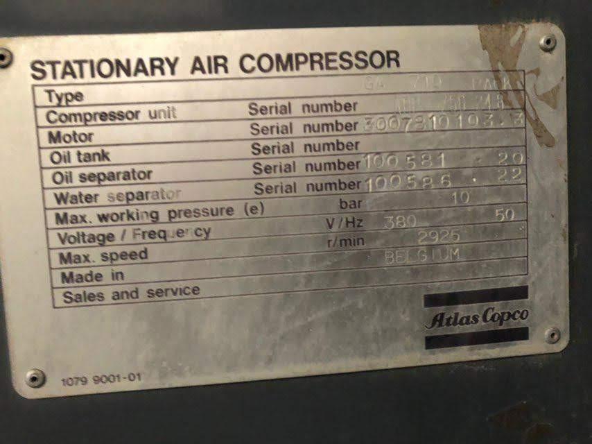 پلاک کمپرسور اطلس کوپکو GA 710 که مشخصات، سریال نامبر، محل ساخت (بلژیک) و سایر مشخصات را در بر دارد.